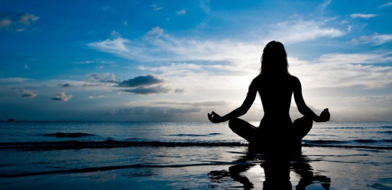 每日30分鐘透過簡單的瑜伽動作沉澱自己放鬆身心